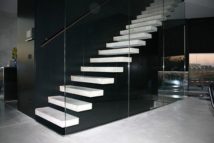 Zwevende Trap Veiligheid : Zwevende trappen